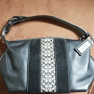 Pre-owned new without tags adorable coach mini bag